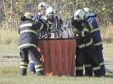 Hasiči cvičili likvidaci požáru se závěsným bambivakem