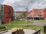 Středočeský kraj dá nemocnicím 82 milionů na zaměstnance a opravy