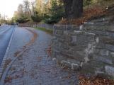 Opravu opěrné zdi na Březových Horách řídí památkáři
