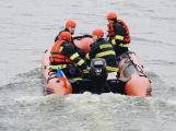 U Orlické přehrady byla nahlášena dvě potopená vozidla a hausbót