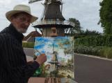 Plním si svůj bláznivý klukovský sen, říká architekt, který staví holandský větrný mlýn