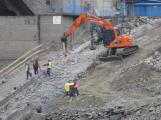 Na Orlické přehradě jsou v plném proudu práce na přestavbě lodního výtahu