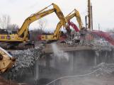 Provoz na dálnici D4 omezí demolice mostu na Zbraslavi