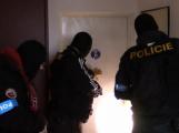 Dealerka pervitinu si sehnala několik řidičů, za jejich ochotu platila drogami
