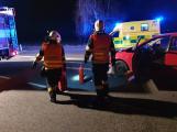 Dopravní nehoda omezila provoz u Milína. Pro těhotnou ženu spěchala záchranka
