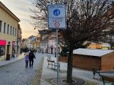 Výsuvné sloupky zamezí vjezdu vozidel do Pražské ulice