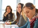 Příbramské školy dostanou prostředky na školní asistenty, speciální pedagogy a psychology