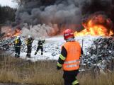 Požár v Sedlčanech napáchal škodu za dva miliony. Příčinou zahoření bylo samovznícení