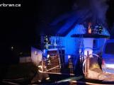 Plameny napáchaly třímilionovou škodu na rodinném domě. Obec vyhlásila veřejnou sbírku