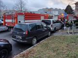 Bezohlední řidiči zablokovali hasičům přístup k hydrantu