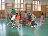 Do základních škol míří profesionální trenéři, budou učit děti sportovat