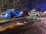 Na výjezdu z Příbrami havarovaly dva vozy, nehoda si vyžádala čtyři zraněné osoby