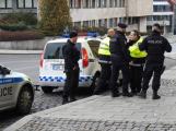 Městští strážníci zadrželi pachatele, který se vloupal do knihovny