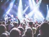 Chcete rušit noční klid venkovní zábavou nebo koncertem? Nastal čas podat žádost