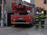 Hasiči evakuovali zaměstnance ze zakouřených prostor výrobní haly
