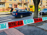 V Příbrami srazilo auto chodce, policisté ulici E. Beneše uzavřeli. Na místo přiletěl záchranářský vrtulník