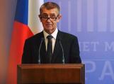 Vláda vyhlásila nouzový stav na celém území ČR