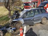 Tři těžká zranění si vyžádala nehoda u Jablonné. Policisté silnici uzavřeli, na místě přistály dva  vrtulníky