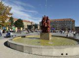 Na náměstí 17. listopadu se bude od března znovu platit parkovné