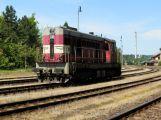 Na Příbramsku se střetl vlak s autem, jeden člověk je zraněný