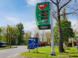 Benzin je v Česku nejlevnější od května 2009, na Příbramsku se cena drží stále vysoko