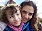 Koronavirus narušil každodenní režim naší šestileté Nikolky, která trpí těžkou formou autismu, říká Lucie Šarközyová