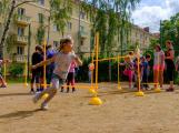 Vylákejte děti ven! Se sportovními trenéry to na dětských hřištích žije i v červnu