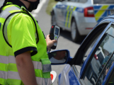 Začínají prázdniny, policisté se zaměří na dálnici