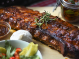 Čtyři procenta Čechů nejí maso, novým trendem je flexitariánství