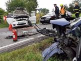 U Modřovic se střetla tři auta, na místo vzlétl vrtulník