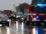 Na dálnici u Obořiště narazilo auto do svodidel, spolujezdkyně skončila v nemocnici