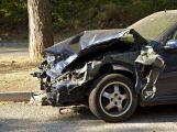 Opilý řidič havaroval do kamenného můstku