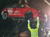 U Hájů skončilo auto na boku, řidička vyvázla bez zranění