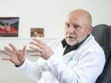 Holobrada: Nemocniční péče je v režimu, který by se dal nazvat medicínou katastrof