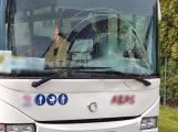 Zdrogovaný cyklista skončil po střetu s autobusem v nemocnici