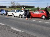 Na strakonické havarovalo pět aut, řidiče čekají dlouhé kolony