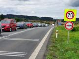 Provoz na strakonické silnici omezila nehoda tří aut, v místě jsou dlouhé kolony