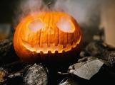 Prodejci sledují zájem o kompletní sortiment na Halloween, v nabídce nechybí dýňové pivní speciály nebo zmrzlina s dýňovou příchutí