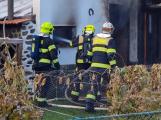 V Rožmitále hoří rodinný dům, zasahují čtyři hasičské jednotky