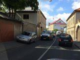 Nehoda v Rožmitálské ulici komplikuje dopravu v okolí