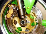 Motorkáři nejsou chráněni karoserií, musí si dávat o to větší pozor