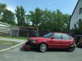Řidič zboural plot u Oxygenu