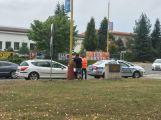Policejní vůz se připletl k nehodě