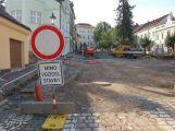 Práce v Hrabákově ulici budou probíhat i o víkendu