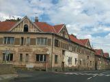 Domy v Březnické stále budí hrůzu