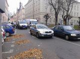 Nehoda v ulici Gen. R. Tesaříka komplikuje dopravu v centru
