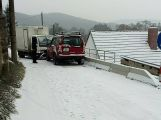 Sníh dělá řidičům problémy, hlášeno je hned několik nehod