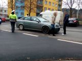 Řidič táhl druhé auto, to se srazilo s oplem
