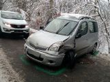U obce Občov havarovaly dva vozy, ke zranění nedošlo