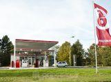 Cena pohonných hmot ve středních Čechách mírně klesla